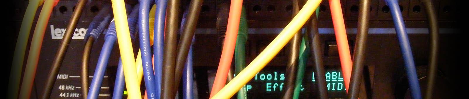 verschiedenfarbige Kabel zum patchen